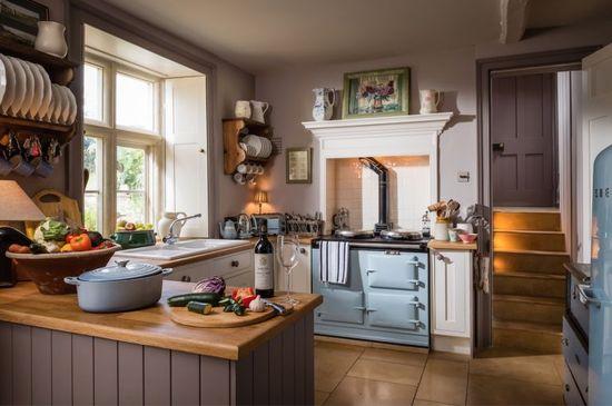Дизайн интерьера кухни в английском стиле - фото