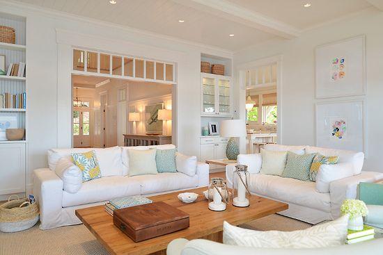 Дизайн интерьера гостиной в светлых тонах - фото